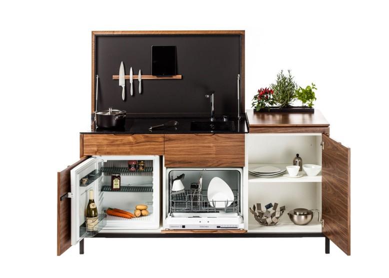 Cuisine-équipée-studioen-Noyer-et-corian-noir-ouvert-fermé-design-architecte-intérieur-2