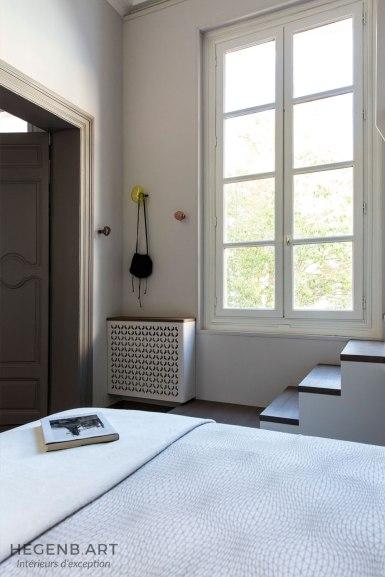 Cache radiateur contemporain dessiné sur mesure.
